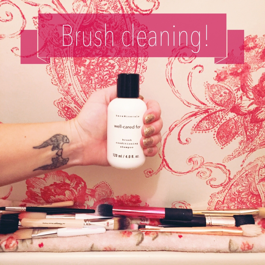 Cleaning_makeup_brushes_.jpg